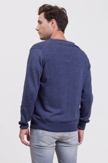 Sweater-Anchor